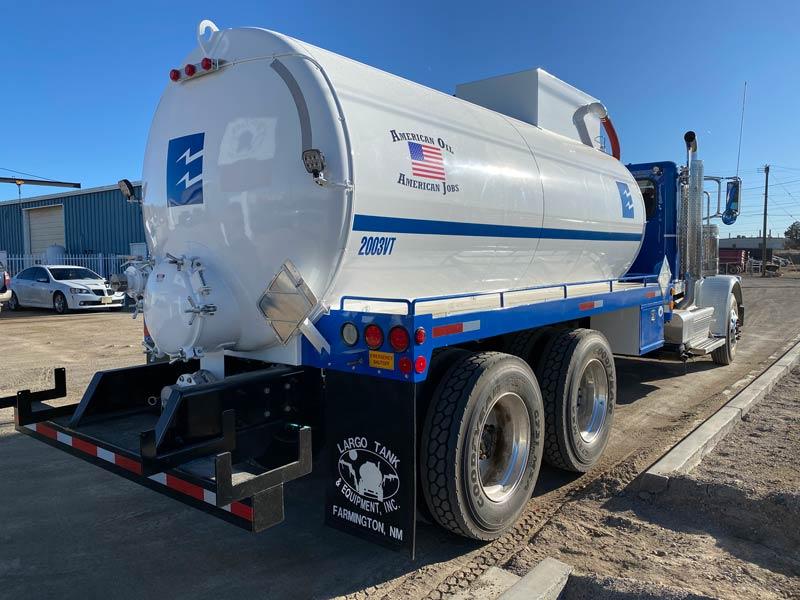 oilfield vacuum tanker